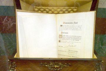 Sucesión y referéndum en la Constitución