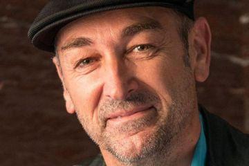 Omega: Entrevista a José Sánchez, director del documental y a Mario Torres, responsable de sonido